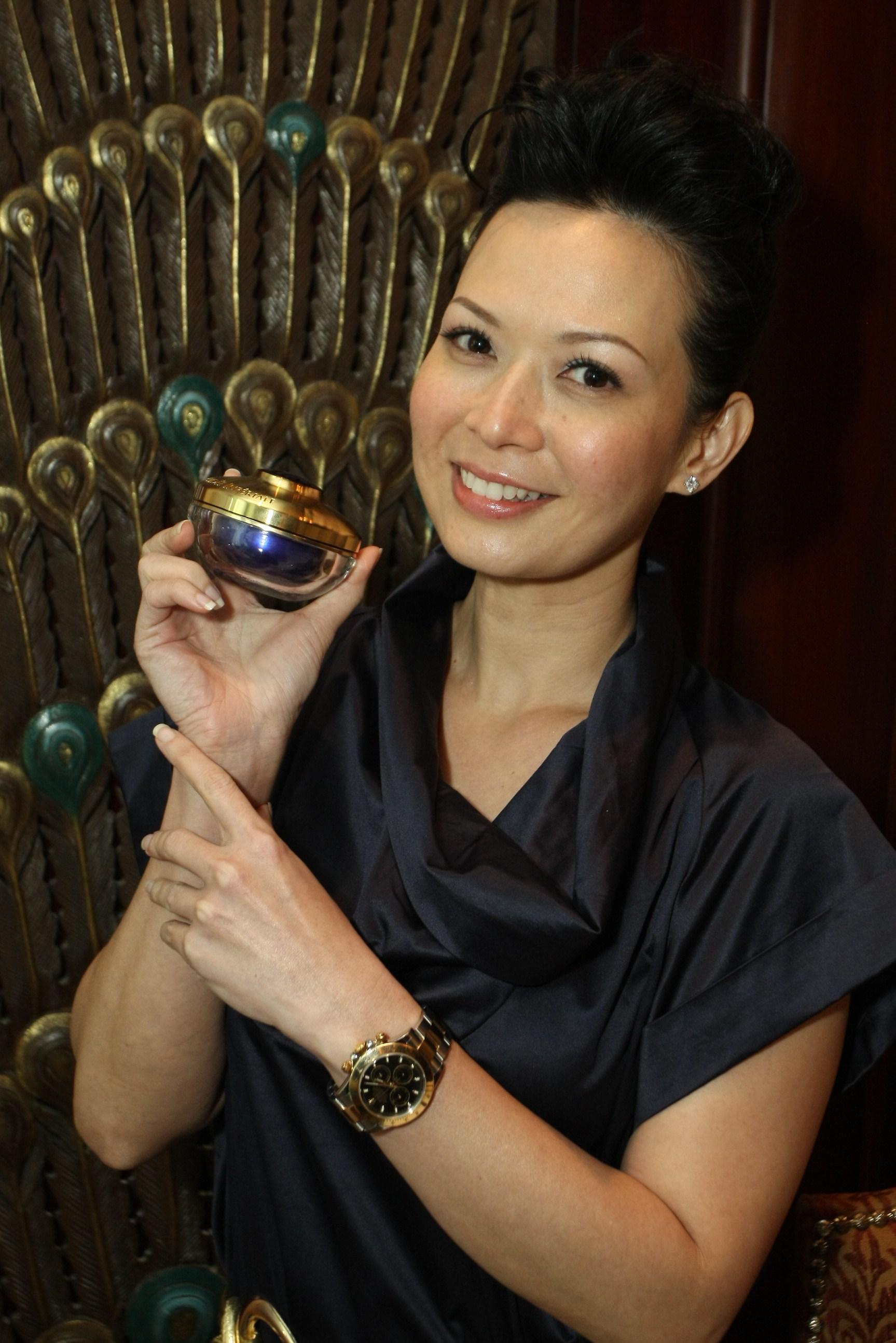 andrea de cruz chinese is a singaporean actress of eurasian